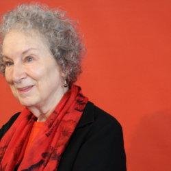 Margaret Atwood in libreria con…